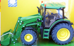 britains-JD-6150r-with-load