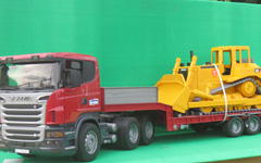 bruder-low-loader-dozer-scania
